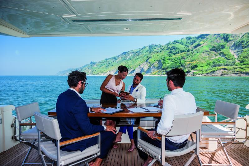 Dominator yachts 2015
